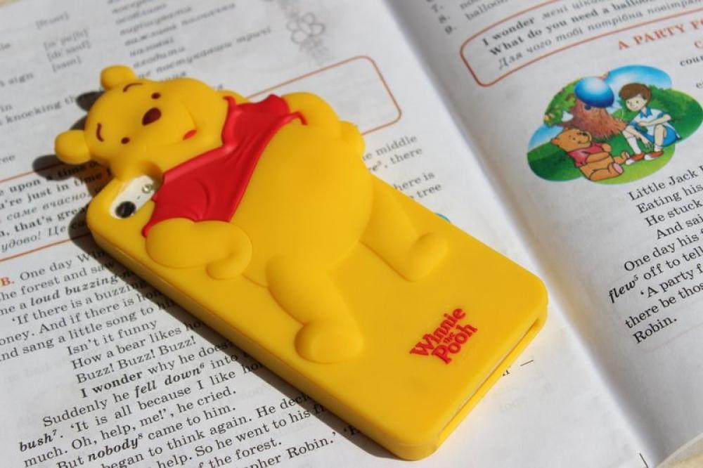 Крышка-чехол силиконовый Disney iPhone5 Winnie-Pooh